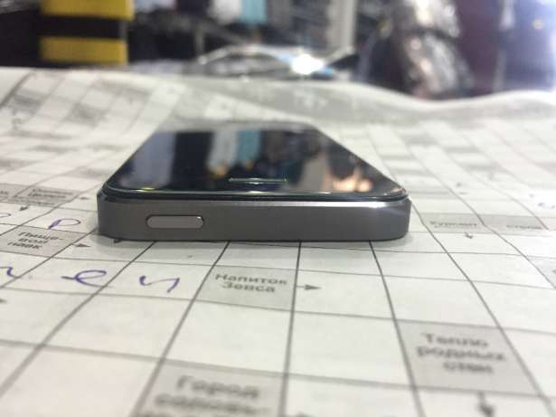 Продам свой iPhone 5s 16 gb color: space grey